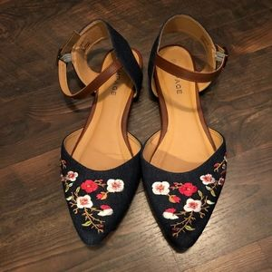Rampage Jean Floral Embroidered Flats Size 9.5